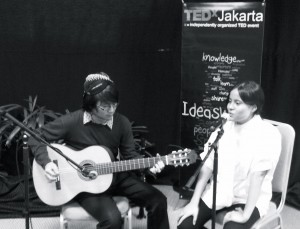 tedx-performance-bw